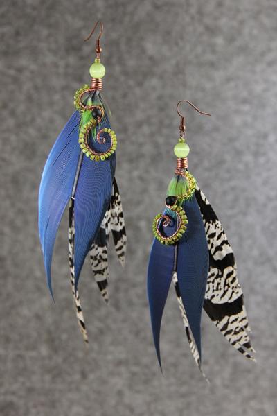 Серьги с перьями «Душа зелёного леса»